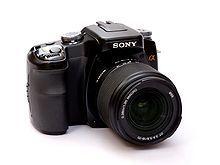 220px-SonyDSLRAlpha100_VL.jpg
